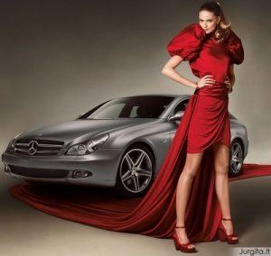 Mercedes - Benz mados savaitė. Stilingi maudymosi kostiumėliai