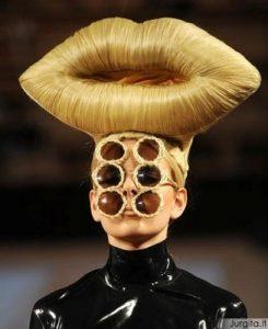 Sensacija: drabužiai iš plaukų