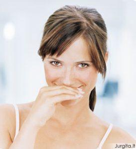 Kaip atsikratyti nemalonaus burnos kvapo
