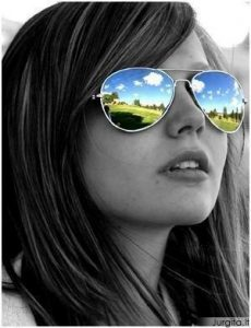Ką saulės akiniai sako apie tave?