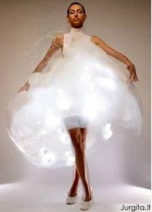 10 keisčiausių pasaulio suknelių