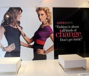 Chanel dizaineris ir Vogue redaktorė dirba prekybos centre