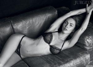 """Tai sustabdys eismą: Megan Fox seksualioje """"Armani"""" reklamoje"""