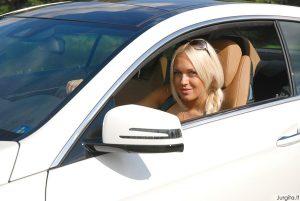 Oksanai Pikul patinka nauji ir saugūs automobiliai